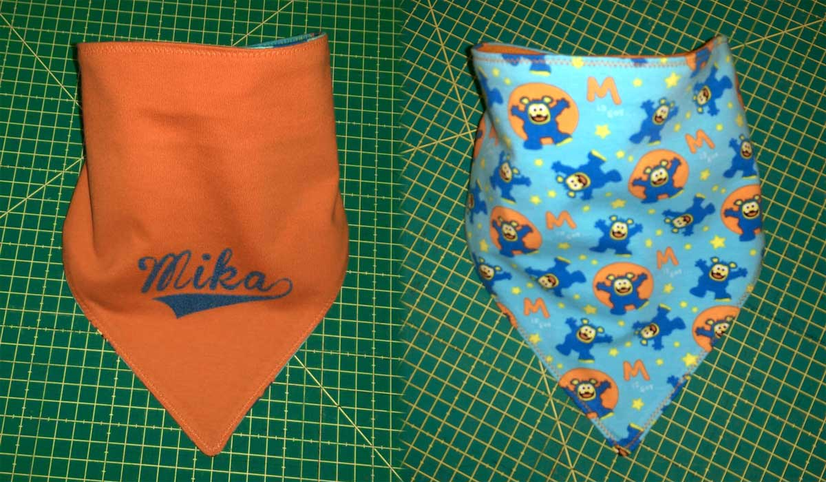 So sieht Mikas fertiges Halstuch dann aus.