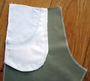 Die letzten beiden Schritte: verriegeln und Taschenbeutel schließen.