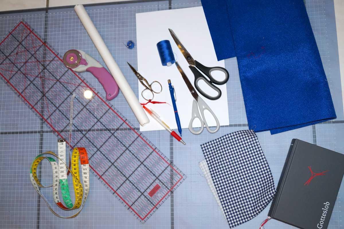 Meine Materialien + Stoffauswahl für die Bucherhüllen