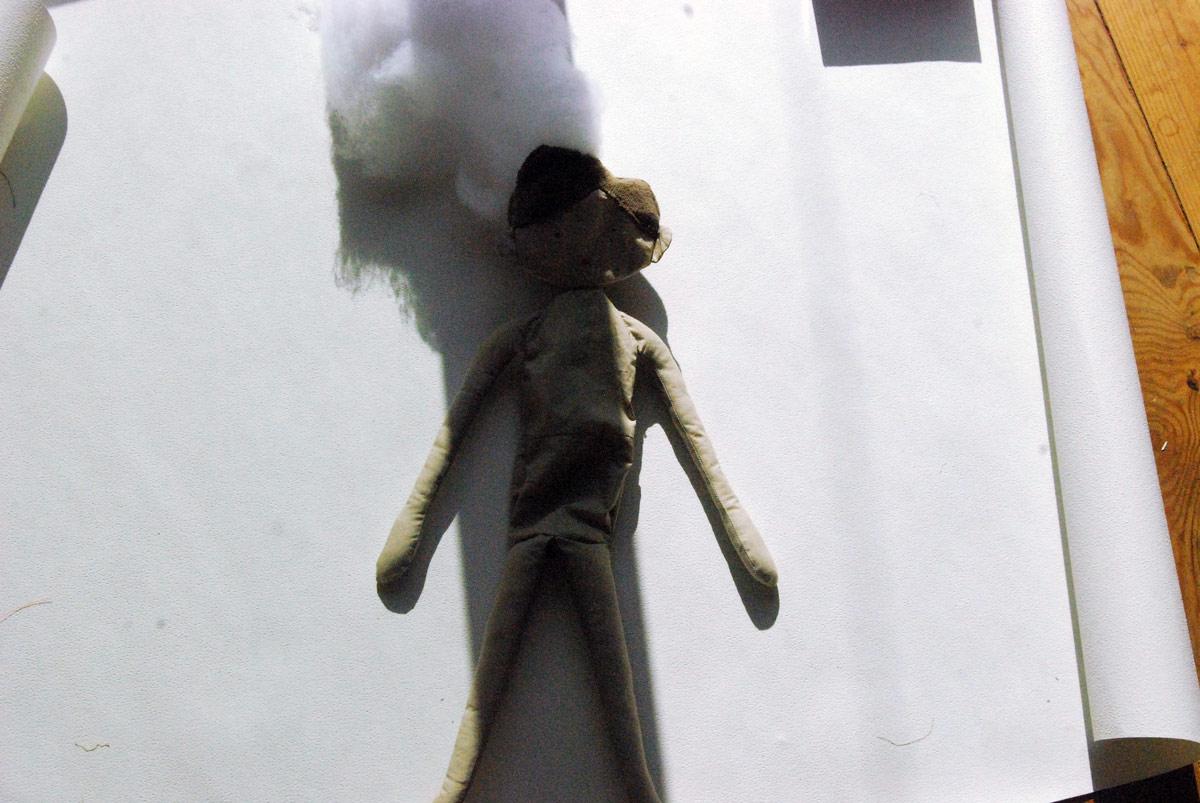 Bild17 - Kopf und den Rumpf füllen wir jetzt mit Füllwatte.
