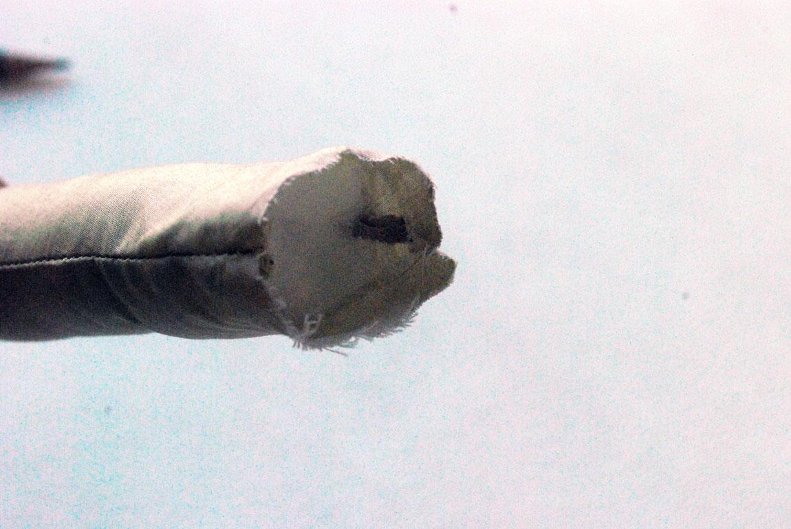 Wenn ihr am oberen Ende 1cm Luft lasst, gelingt euch das spätere Annähen an den Rumpf besser.